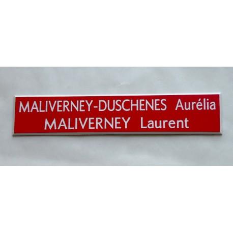 plaque de boite aux lettres, sonnette format 20 x 100 mm personnalisable 2 lignes fond rouge