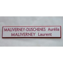 plaque de boite aux lettres, sonnette format 20 x 100 mm personnalisable 2 lignes fond blanc texte rouge
